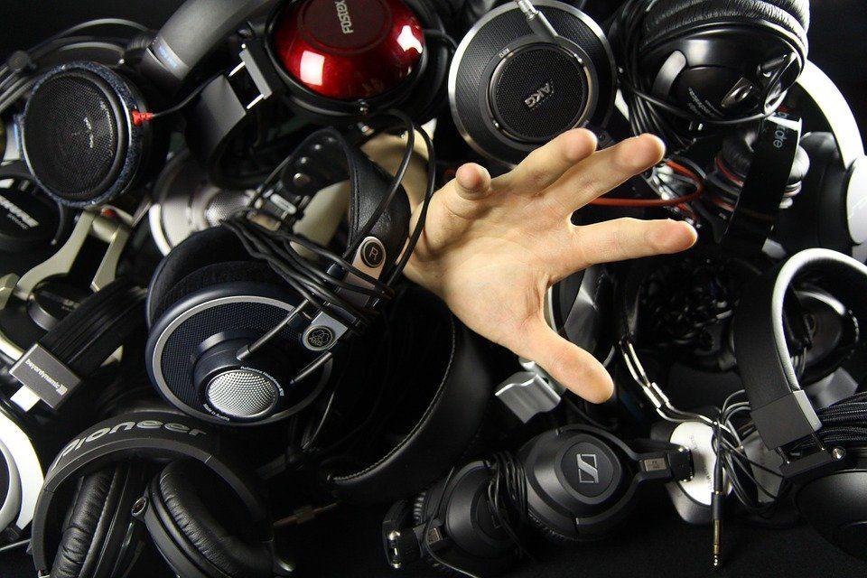 Carilah Headset Terbaik Sesuai Dengan Budget Anda