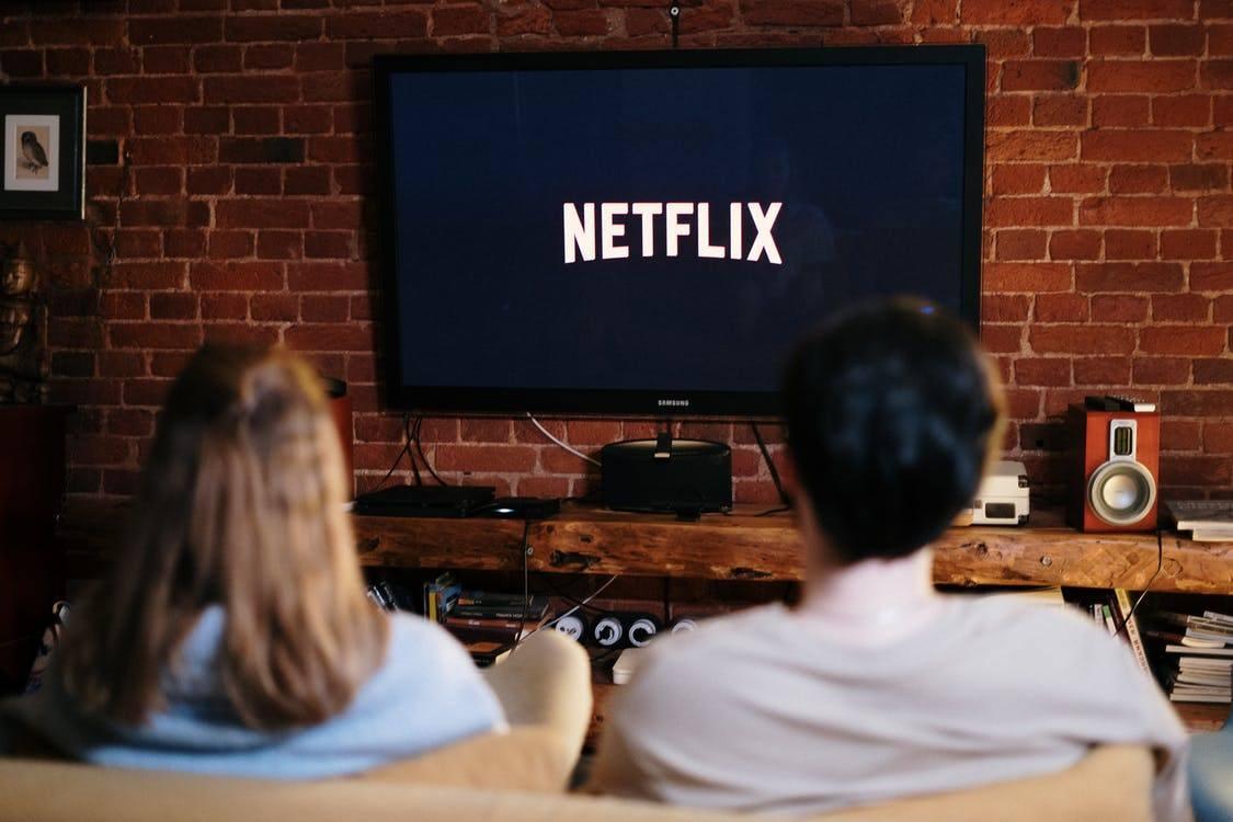 Streaming film dan musik di Netflix dengan Smart TV Terbaik