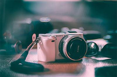salah satu kamera mirrorless terbaik di pasaran yang ada