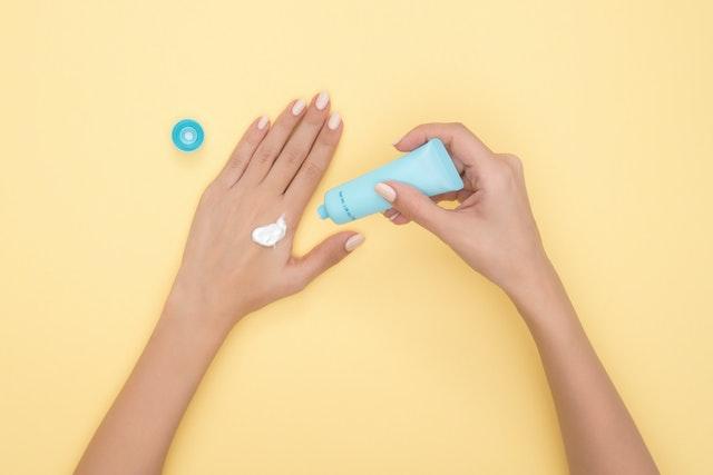 Memilih moisturizer terbaik sesuaikan jenis kulit