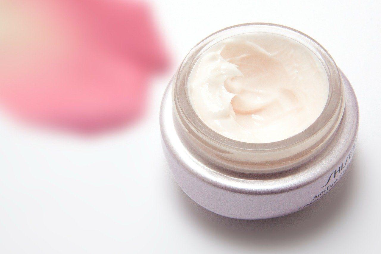 Review Rekomendasi Eye Cream Terbaik 2021
