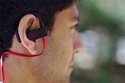earphone bluetooth yang terbaik nyaman digunakan