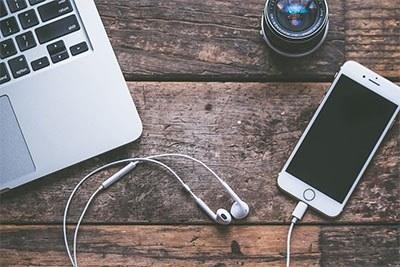 earphone terbaik yang dimiliki apple