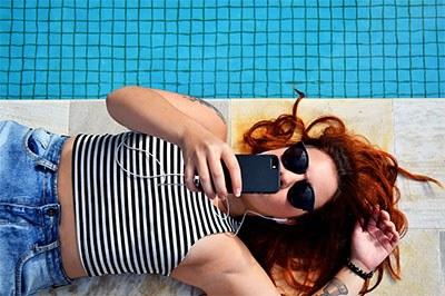 Jauhkan earphone terbaik anda dari percikan air