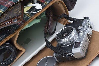 Keunggulan kamera pocket terbaik adalah bentuknya yg ringkas