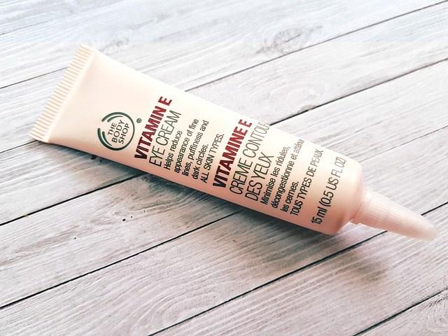 review kandungan eye cream terbaik