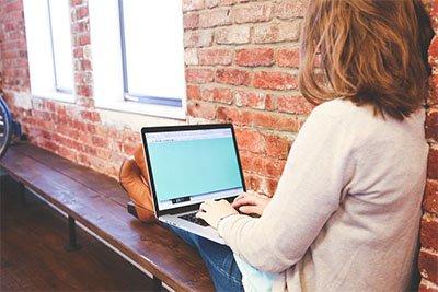 Laptop murah terbaik bisa digunakan dimana saja