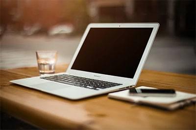 Laptop murah terbaik dari merk Apple di pasaran