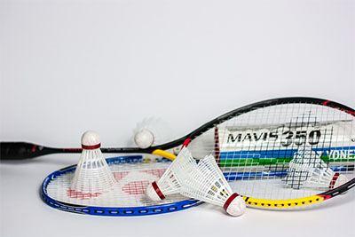 Macam-macam raket badminton terbaik