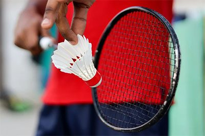 Cara menggunakan raket badminton terbaik