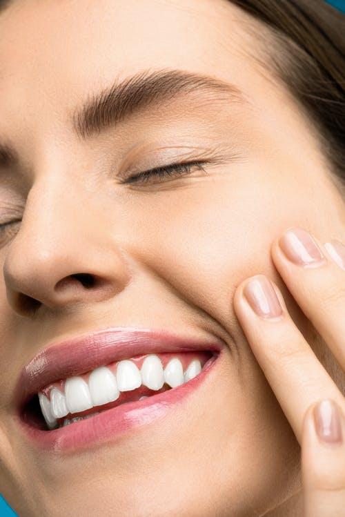 Manfaat cushion untuk melembabkan kulit wajah
