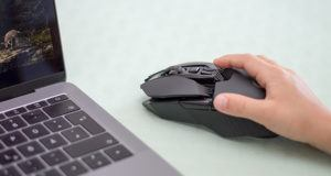 Mouse gaming terbaik lebih ergonomis