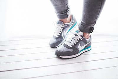 sepatu wanita gadis olahraga